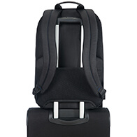 Comfortable back protection and handy Smart Sleeve to slide over the handle of your suitcase when travelling with other luggage.