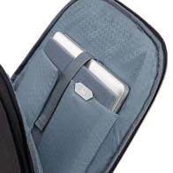 Compartimento adaptable Perfect-Fit para portátil, con capacidad para los modelos más recientes, MacBooks y Ultrabooks de hasta 17,3″.